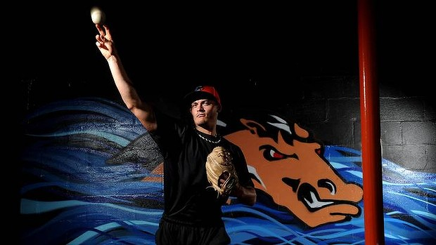 Catcher-turned-pitcher Chris Motta of the Canberra Cavalry (Colleen Petch / Canberra Times)