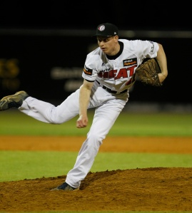 Heat pitcher Greg Van Sickler in action against the Brisbane Bandits on December 7, 2012.(Theron Kirkman/SMP Images)