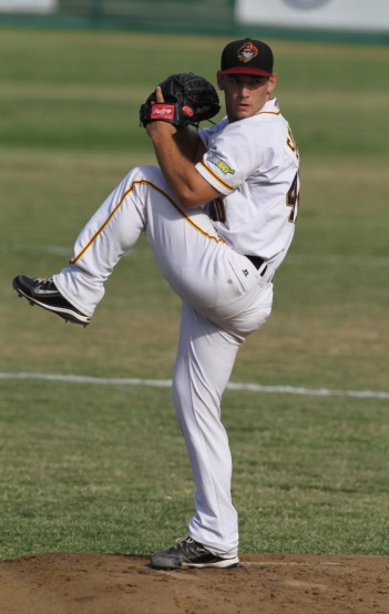 #16 Jim Schult of the Brisbane Bandits (Charles Knight / SMP Images)