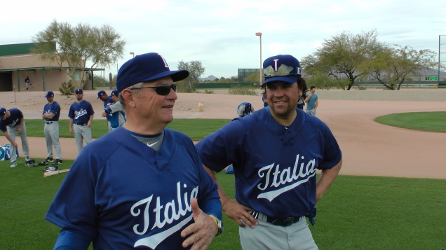 Pitching coach Bill Holmber and hitting coach Mike Piazza (Michele Gallerani / FIBS)