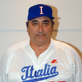 Just as Sal Varriale proudly wore the Italia jersey early in his coaching career, the time is right for Mike Sciscia to follow his lead.
