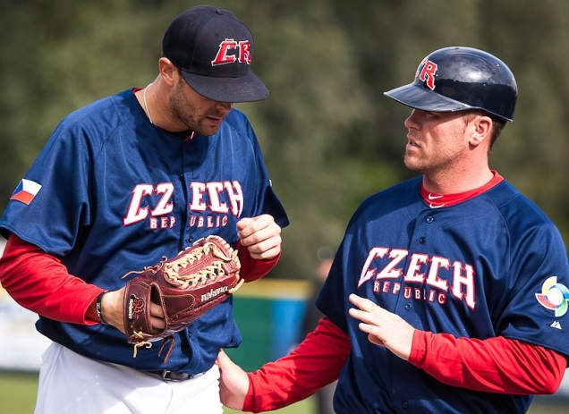 Czech Republic manager Andy Berglund visits pitcher Alex Sogard in the 2012 World Baseball Classic Qualifier.