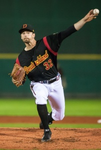Oregon native Luke Sommer, shown here pitching for the German National team in 2013, picked up the win in Heidenheim Heidekoepfe's decisive game 5 victory over Buchbinder Legionäre Regensburg on October 3, 2015.