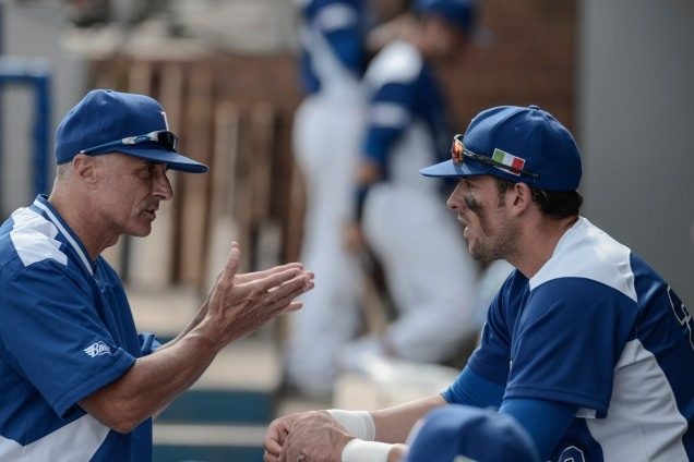 Team Italia manager Marco Mazzieri talks with slugger Alex Liddi during the 2016 European Baseball Championship. (Photo courtesy of Ezio Ratti-FIBS)